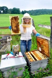 Martha Boneta beekeeping